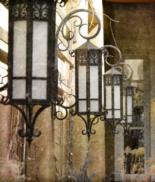Current Obsession Lantern Chandeliers: Lanterne, Lumiere, Deco