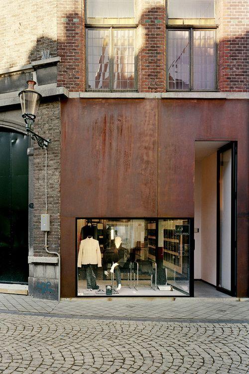 que loco me encant la puerta enorme y el aparador normal wow facade pinterest. Black Bedroom Furniture Sets. Home Design Ideas