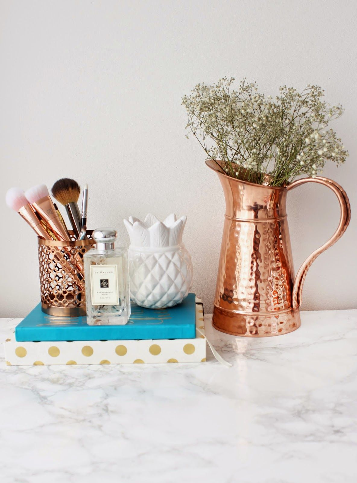 HOW TO SET BLOG GOALS AND ACHIEVE THEM Rose gold decor