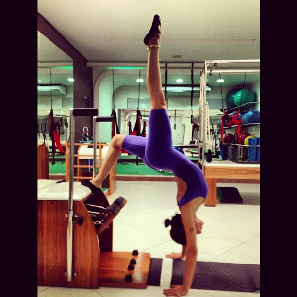 .@isisvalverde | #inlove #pilates #evoluindo @pilateslucelialira  #dormecomessa ! Rs Boa noite!!!