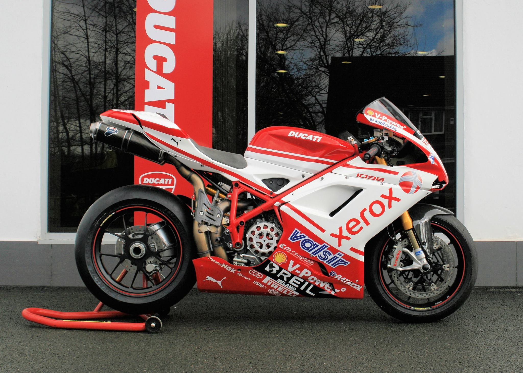 Ducati 1198s Racing Sport Bike: 2007 Ducati 1098S. JHP Track Prepared And Nemesis Traction