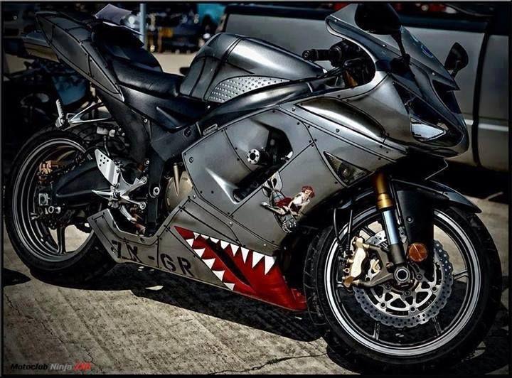 Custom Paint On A Kawasaki Zx 6r Bikes Motorbikes Motorcycle