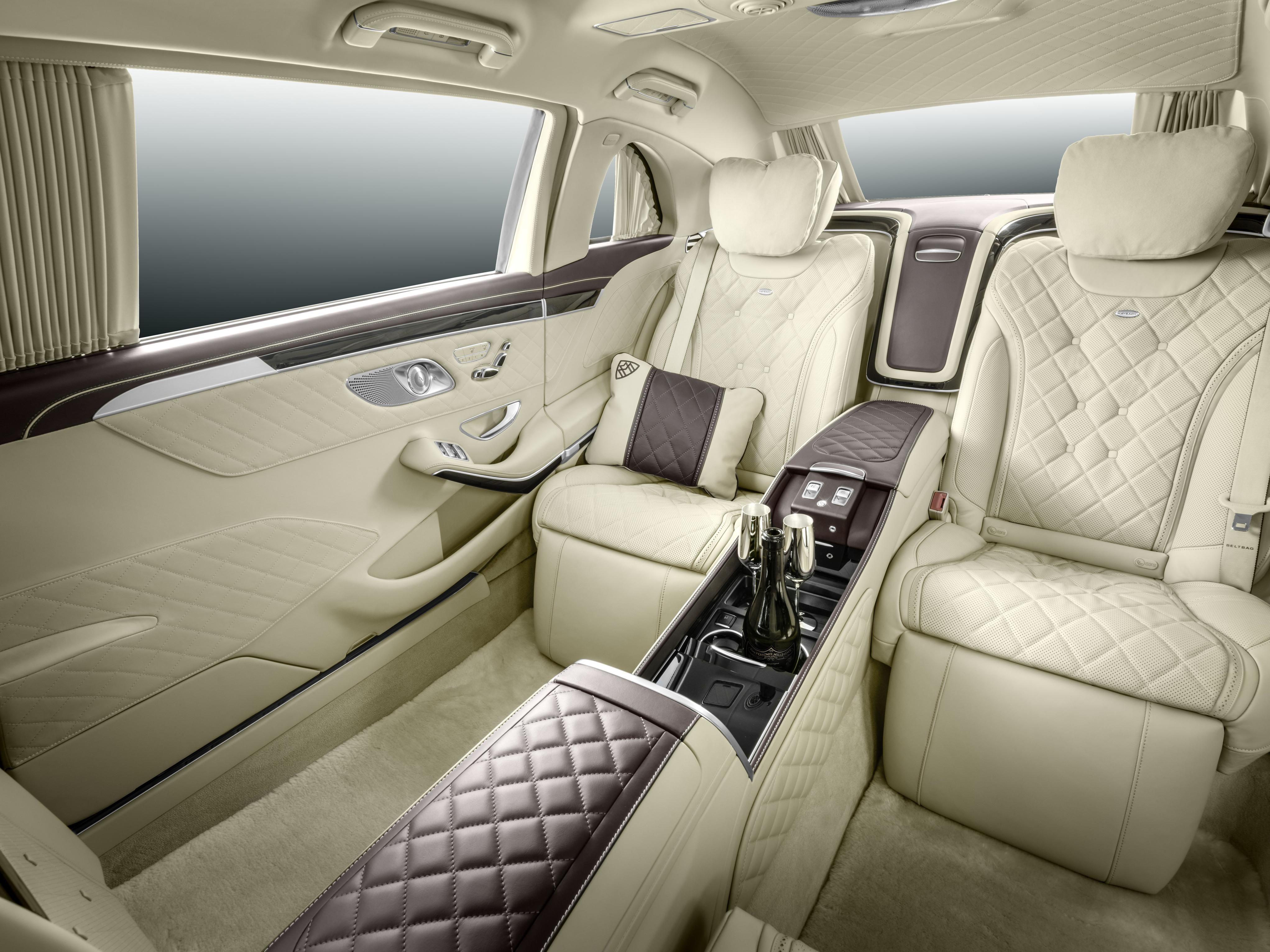 Desain Interior Mobil Limosin Yang Paling Mewah Cek Bahan Bangunan