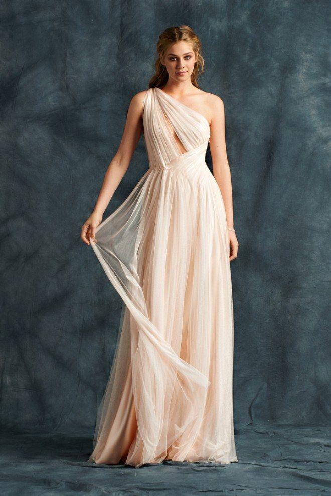 Gli abiti da sposa del 2017  delicatezza ed eleganza in un vestito perfetto 2f2c0502de7