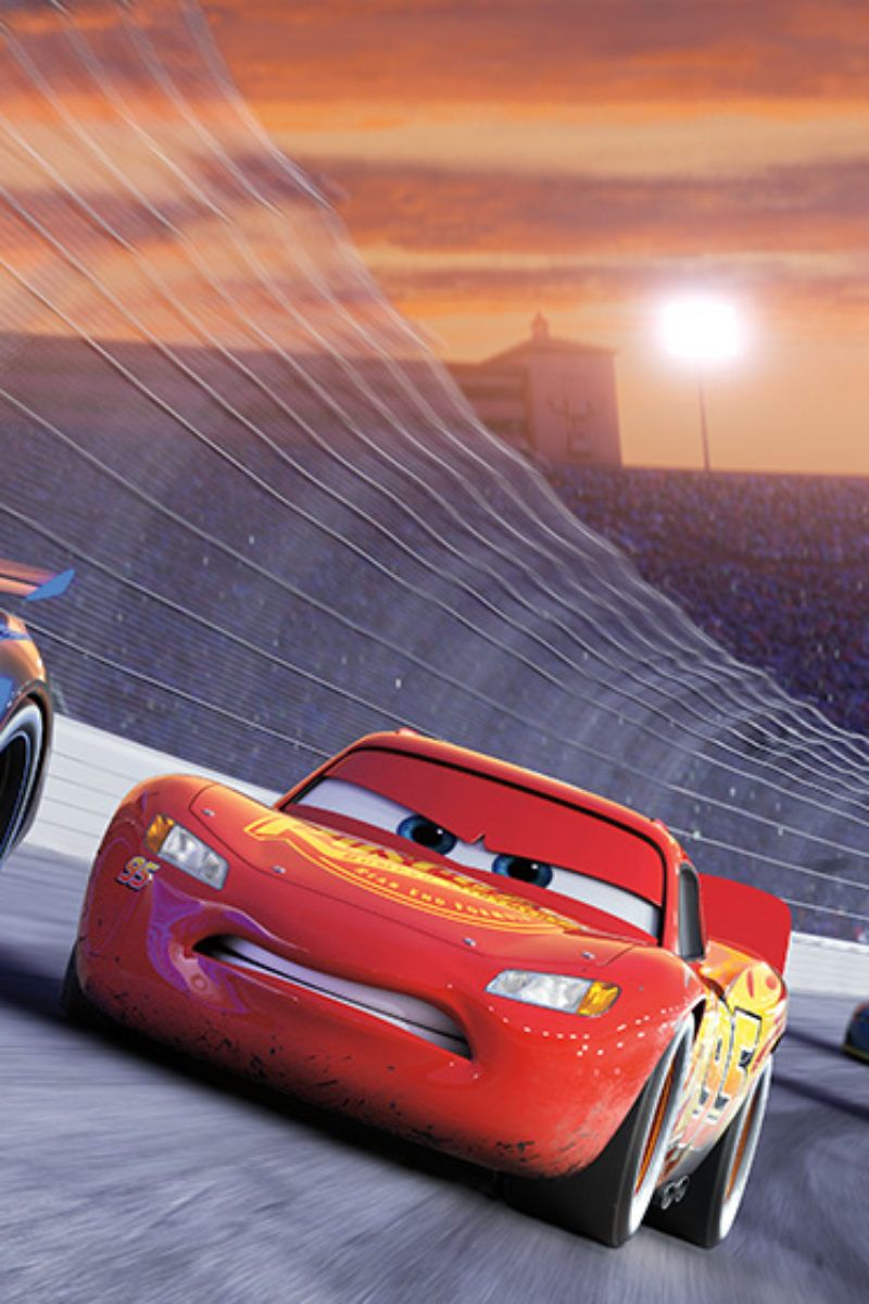 5 Things We Learned About Cars 3 From The Cars 3 Pit Crew Cars De Disney Disney Cars Wallpaper Disney Cars 3