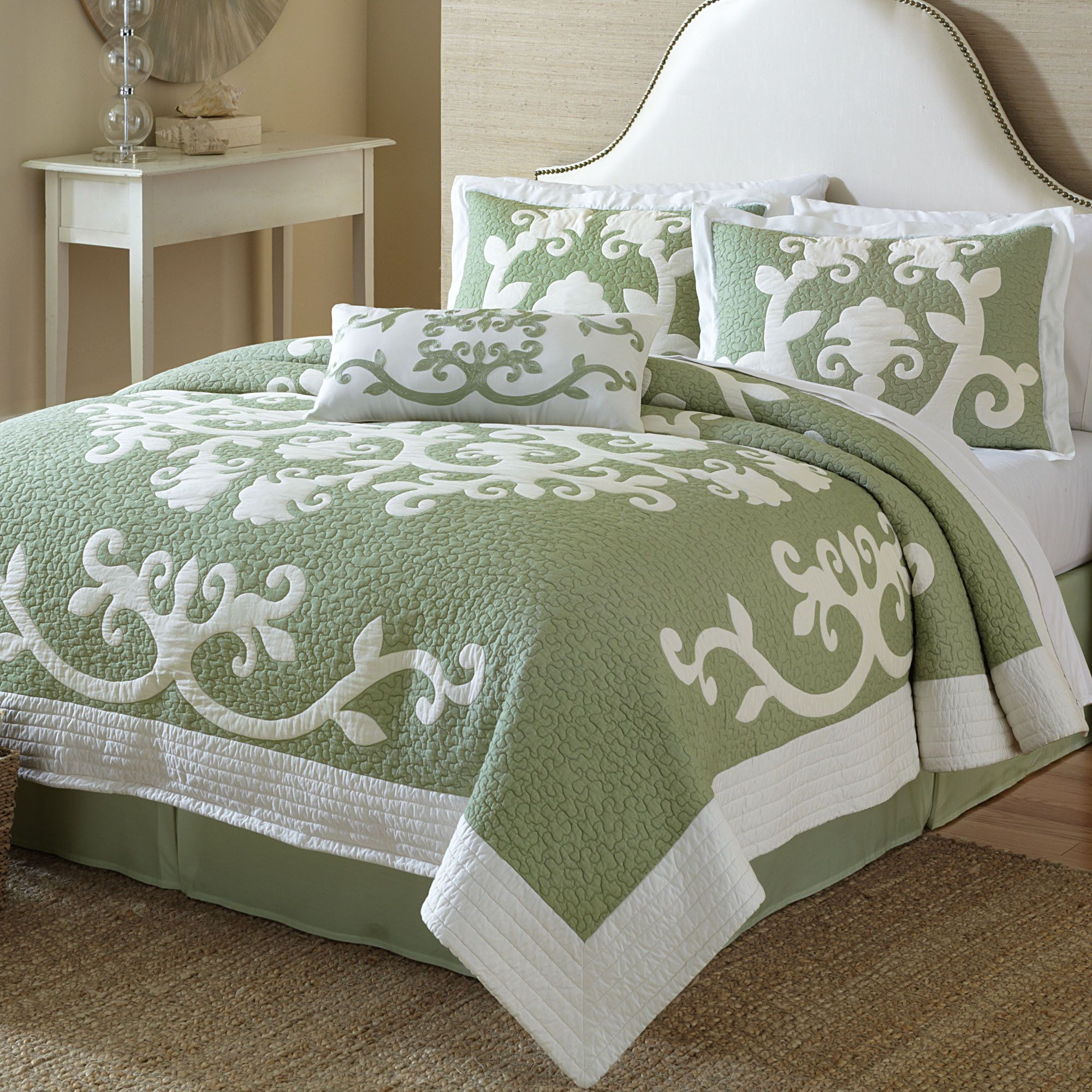 Ailani Cotton Hawaiian Inspired Quilt Bedding Bedrooms