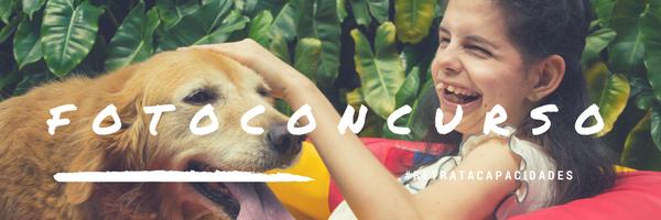 Foto de niña con su perro