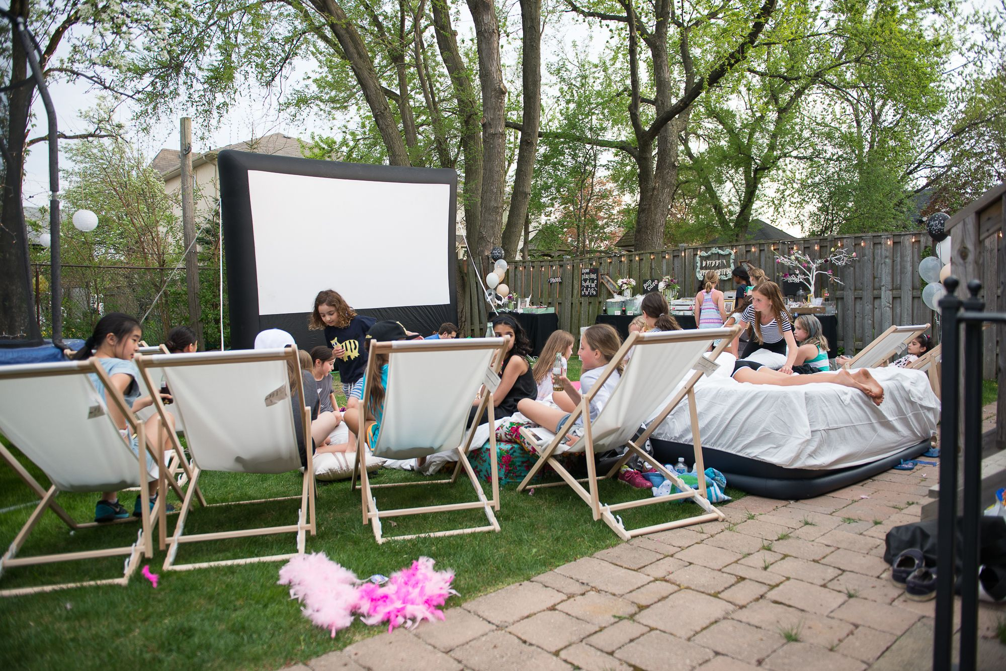 inflatable screen for outdoor movie party and inflatable