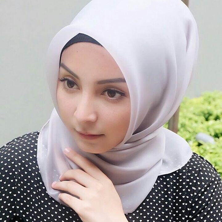 wanita muslimah #wanitaidaman | Bikins, Fashion, Hijab