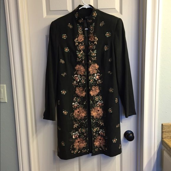 Juliana Colleczione trench sz 4 Dark grey suede with floral embroidered sz 4 Julianne Colleczione Jackets & Coats