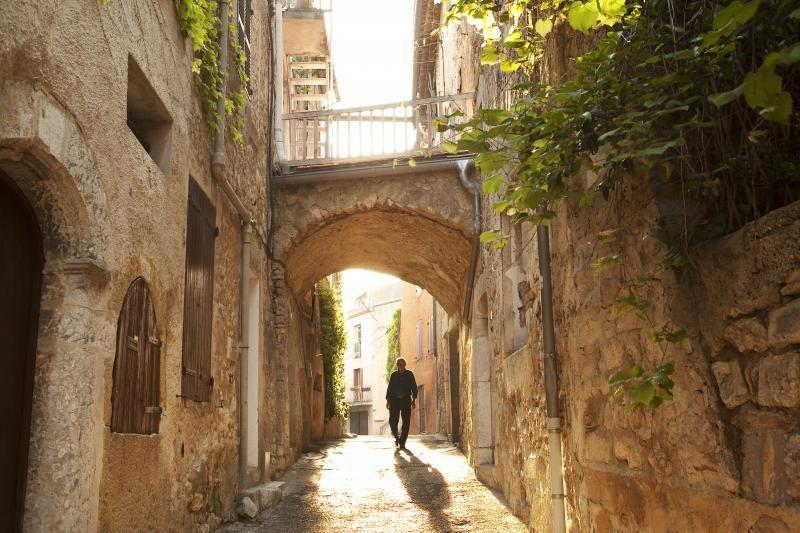 Au bout d'une ruelle ombragée de La Cadière d'Azur, l