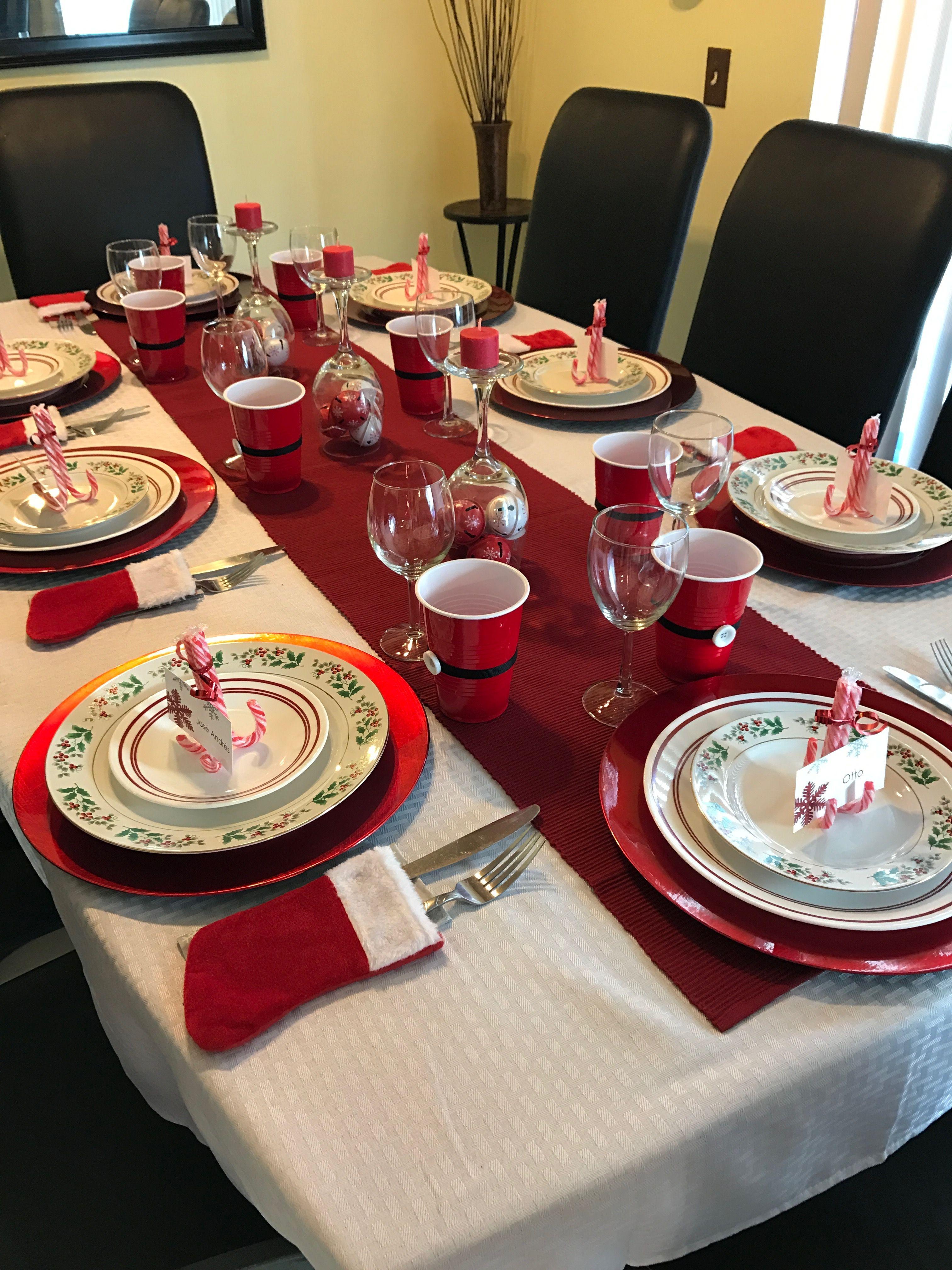 Pin By Marina Mora On Christmas Christmas Decorations Dinner Table Christmas Table Christmas Dinner Table