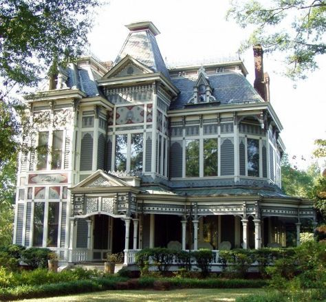 Nancy Drew house? Certainly looks fit for a mystery novel ...