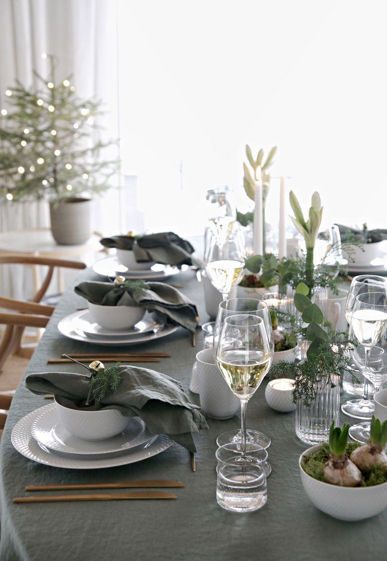 Green Christmas table setting #borddekkingnyttårsaften