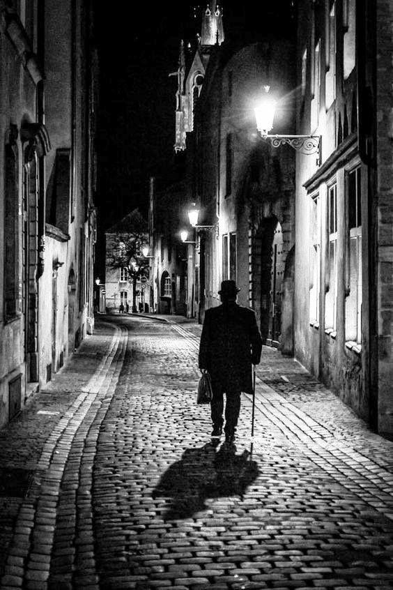 Calles durmientes | Soledad | Black, white photography, White