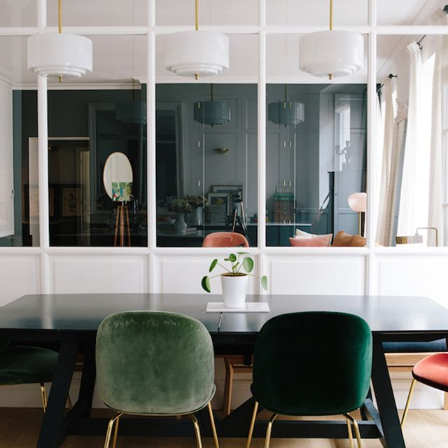 Wild dining room trends this year || Feel the wilderness straight from your house and maintain the most recent interior design trends || #luxuryhouse #inspirations #designs || Explore more: http://homeinspirationideas.net/category/room-inspiration-ideas/dining-room/