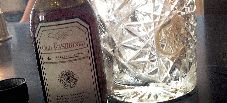 Flaske etikett design for drinken Old Fashioned for NB bar i Stavanger. Bottle label design for Old Fashioned, for NB bar in Stavanger.