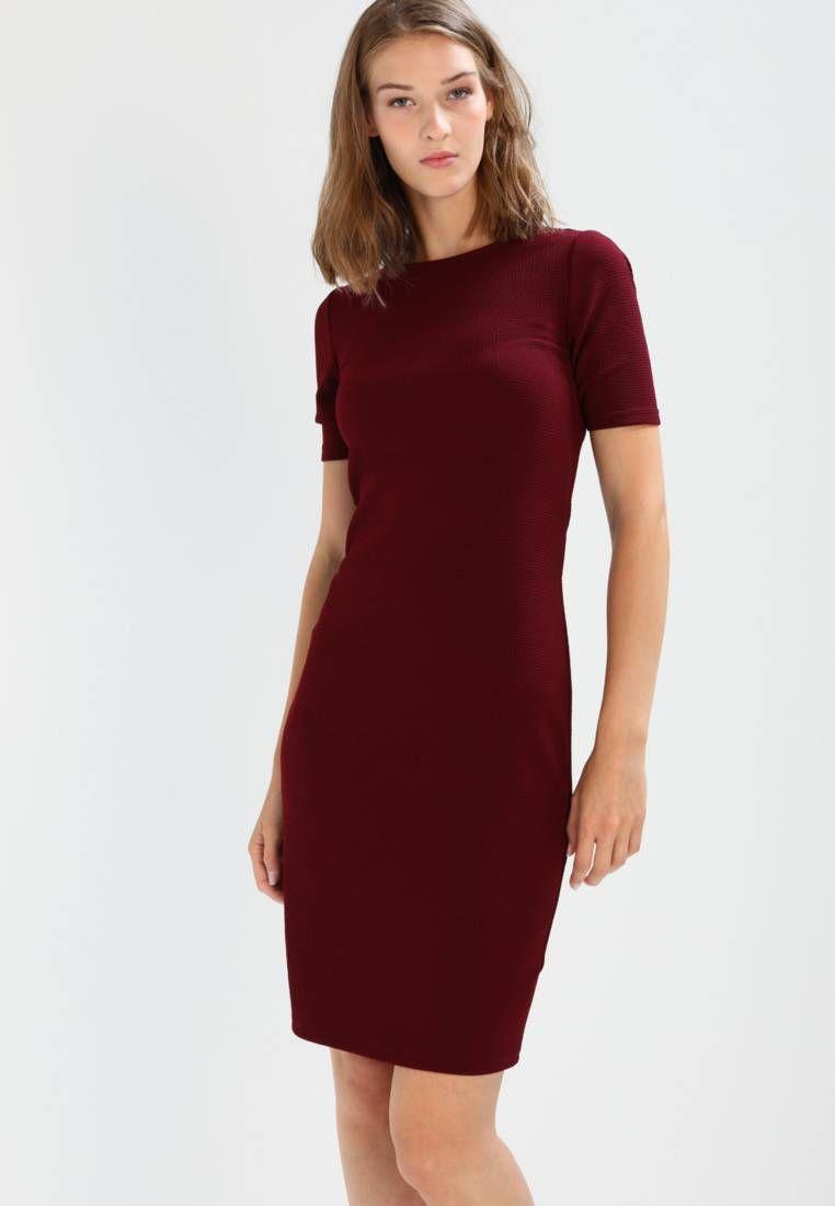 huge discount 6d3f1 cf42e Dorothy Perkins. Vestito di maglina - burgundy. Avvertenze ...