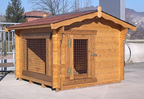 Giardino in legno cucce per cani box per cani alloggi for Cucce per cani da esterno coibentate