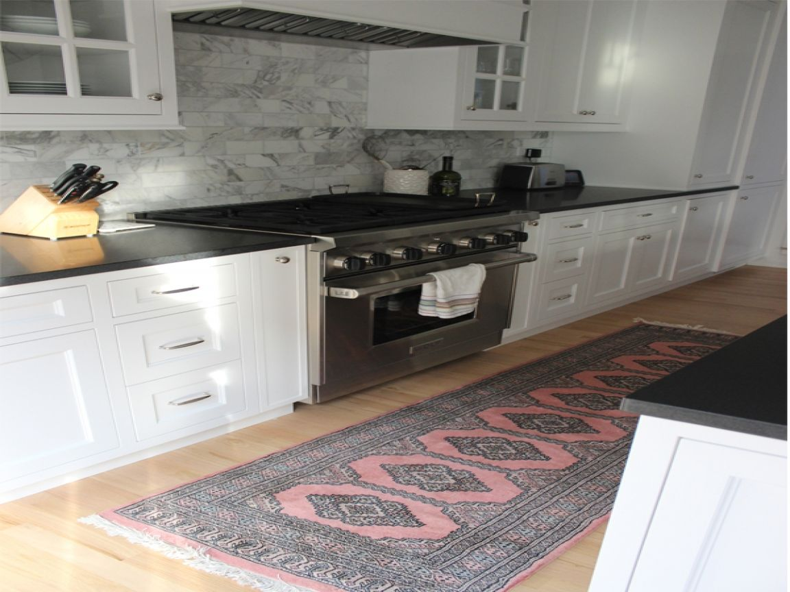 Kitchen Runner Rugs : Grey And Pink Kitchen Runner Rug.