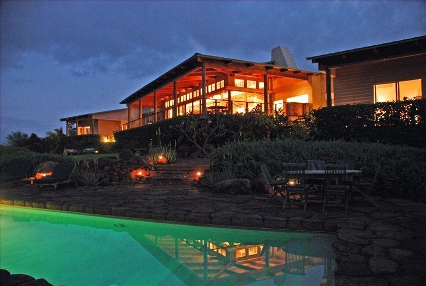 Vrbo Molokai Hawaii 5 Bedrooms On Beach With Pool 695 Night Or 4865 Week Nope Average Airfare 1200 Ticket