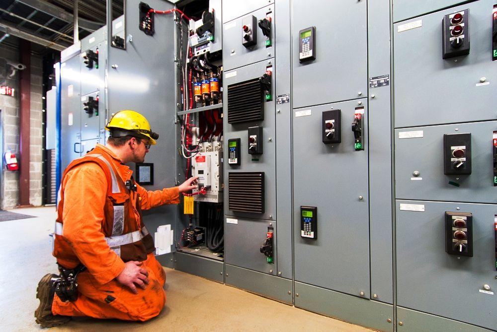 Industrial Electrician Jobs In Descon Engineering Limited 2018
