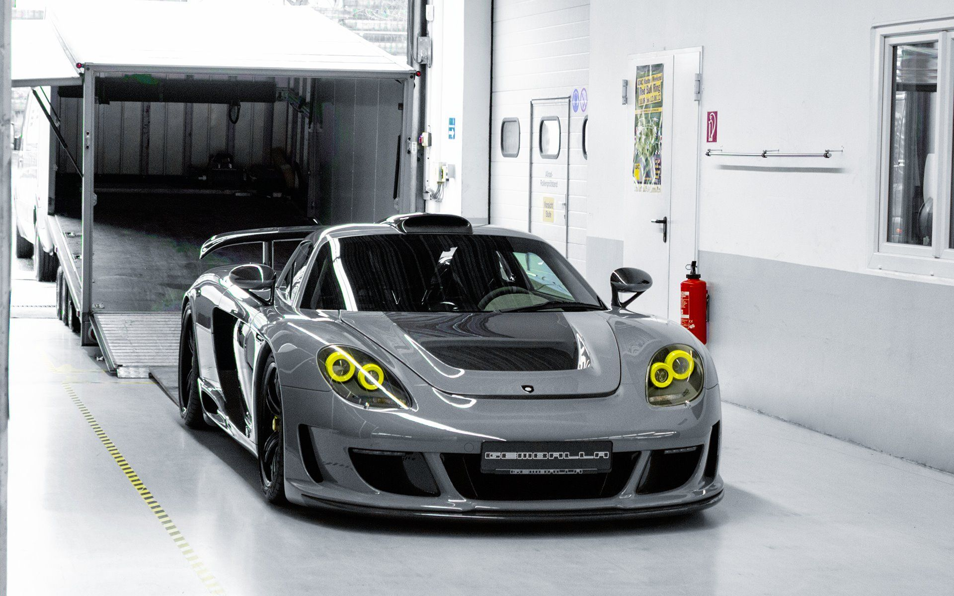 Gemballa Mirage Gt >> Gemballa Mirage Gt Is A Porsche Carrera Gt Turned To 11
