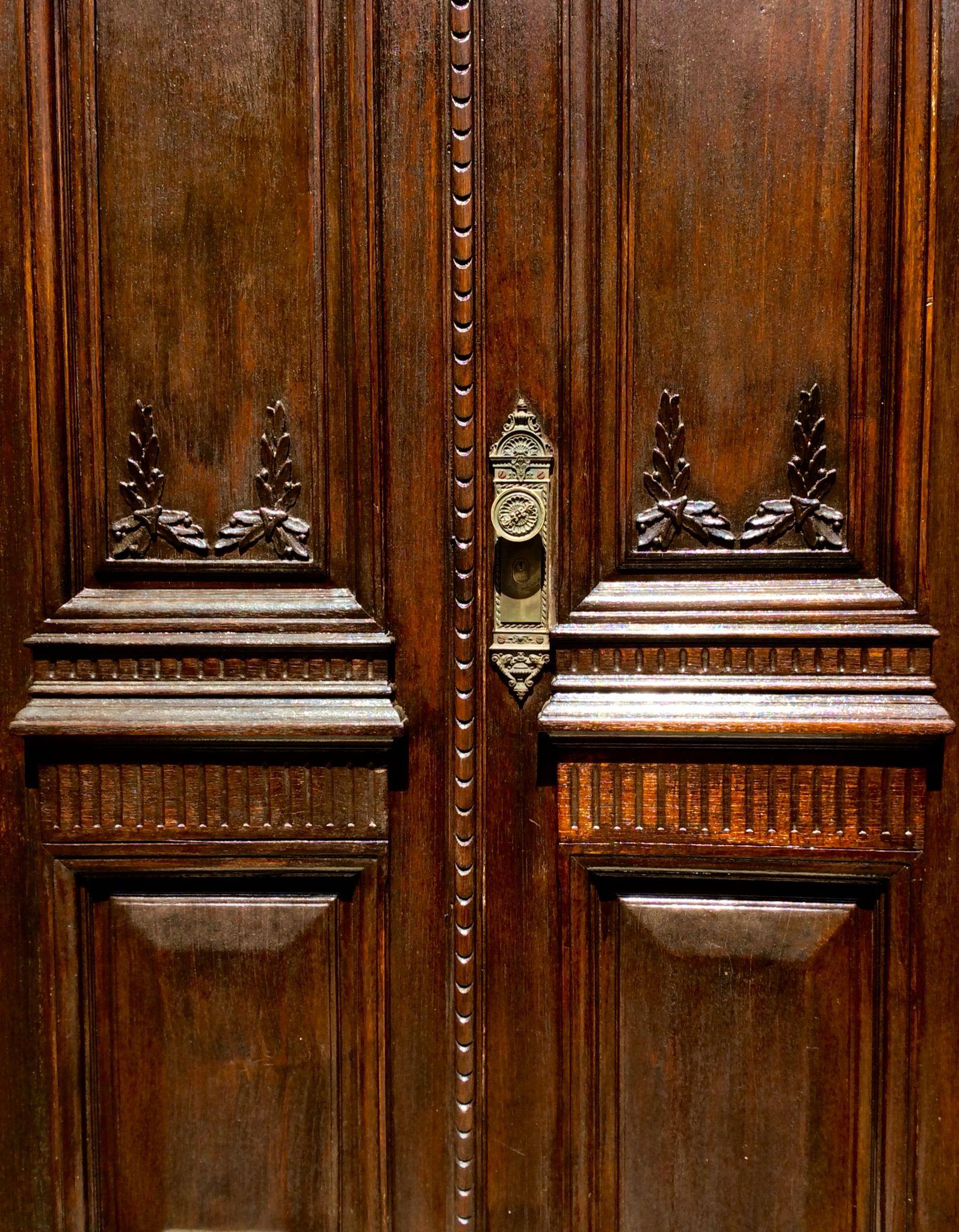 Detalle de puerta antigua .Asunción-Paraguay