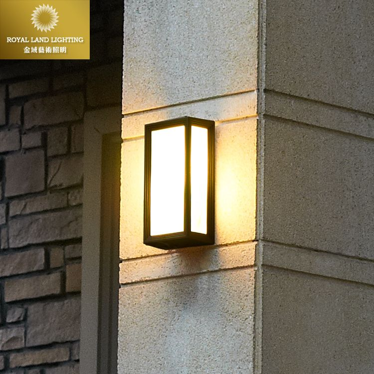 European Modern Simple Creative Retro Outdoor Wall Lamp