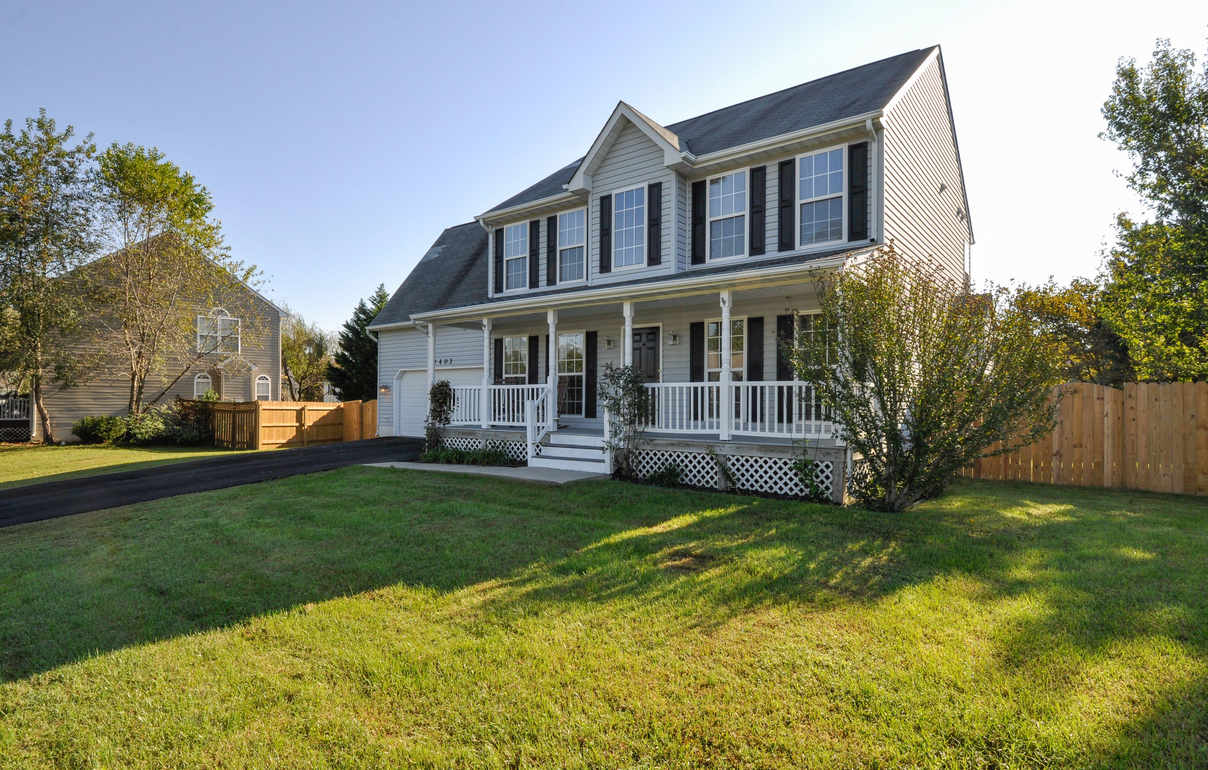 7403 Harvest Ln Fredericksburg Va 22407 House Styles Bedroom Size Real Estate