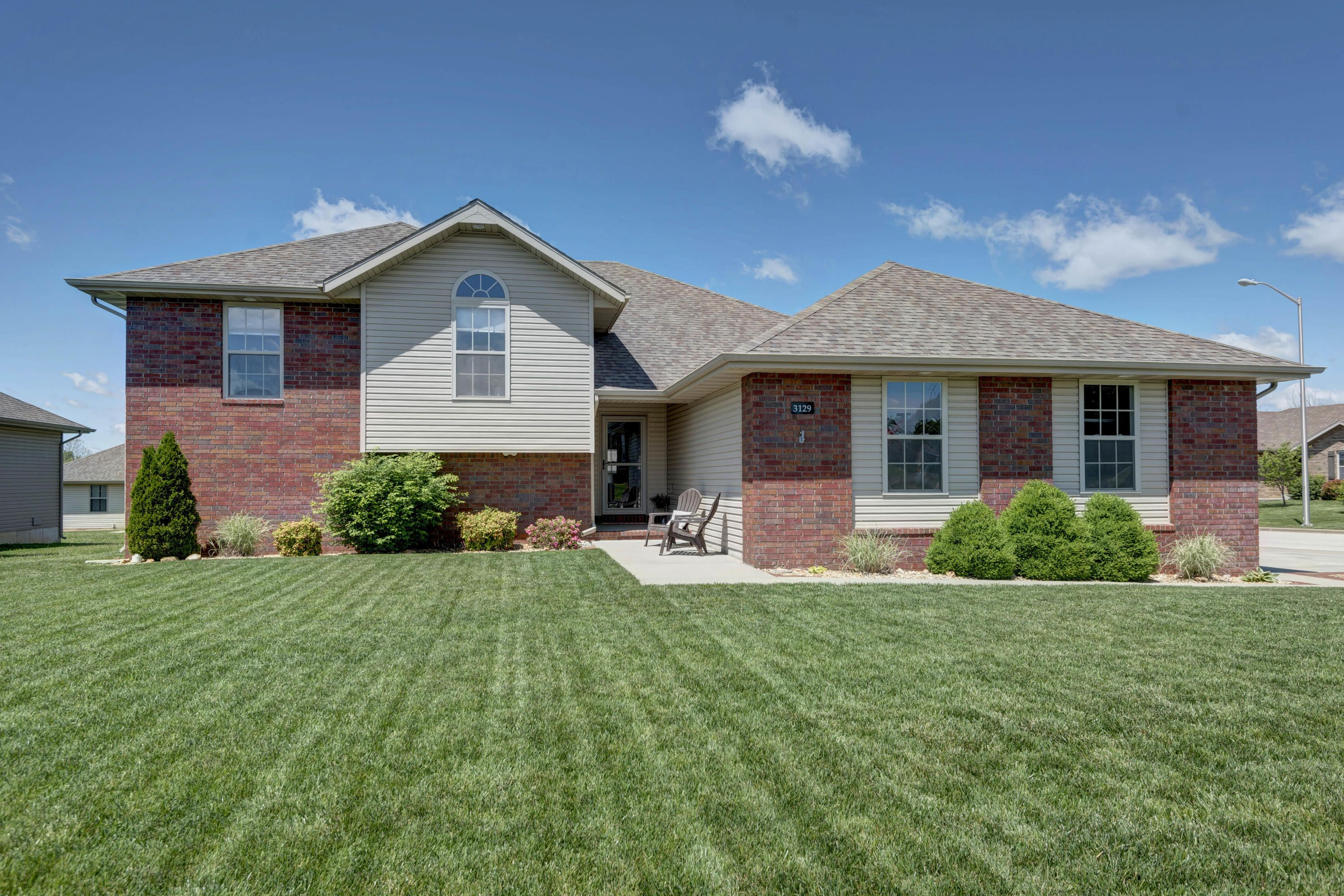 Just listed 4 beds 4 baths 2569 sq ft 3129 north wabash
