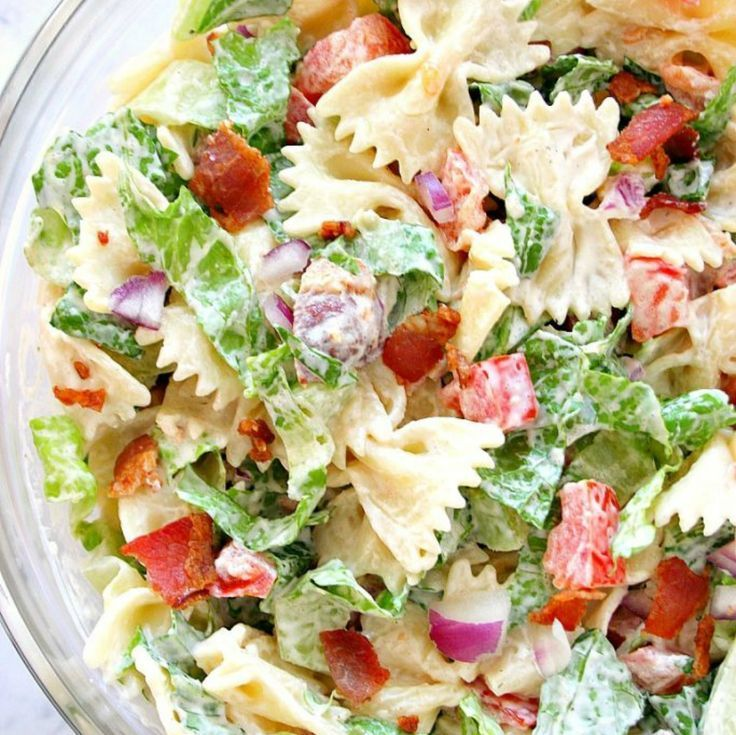 BLT Pasta Salad Recipe – delicious Summer pasta salad idea! Bacon, lettuce and tomatoes with farfalle pasta and creamy dressing (mayo-free option too!) is like your favorite BLT sandwich toppings in a bowl.
