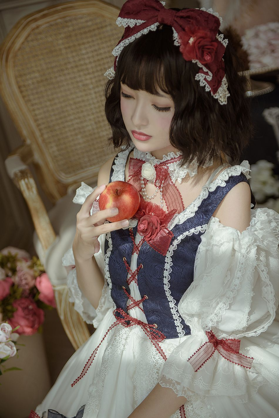 Little Dipper -Snow White- Vintage Classic Lolita Accessories