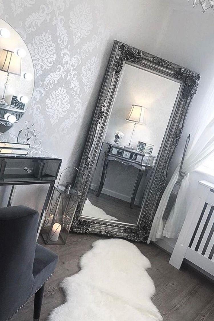I Love Wallpaper Chelsea Damask Wallpaper Silver Wallpaper Living Room Damask Wallpaper Living Room Mirror Inspiration