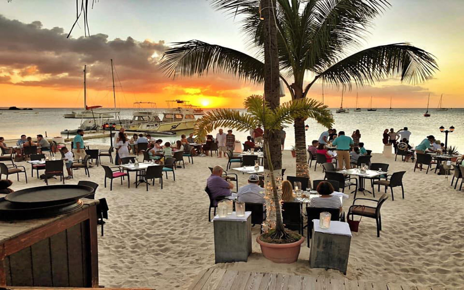 Barefoot Restaurant Aruba On The Beach