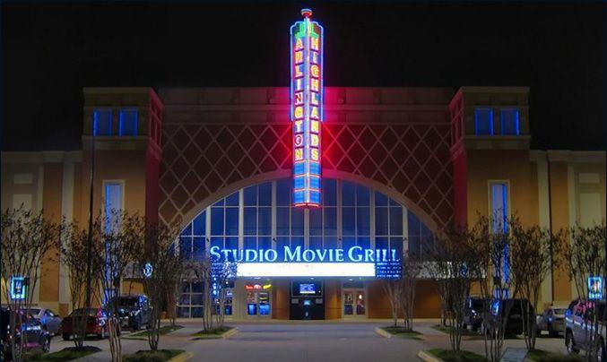 Studio Move Grill in Arlington: Eat, Drink, Movies