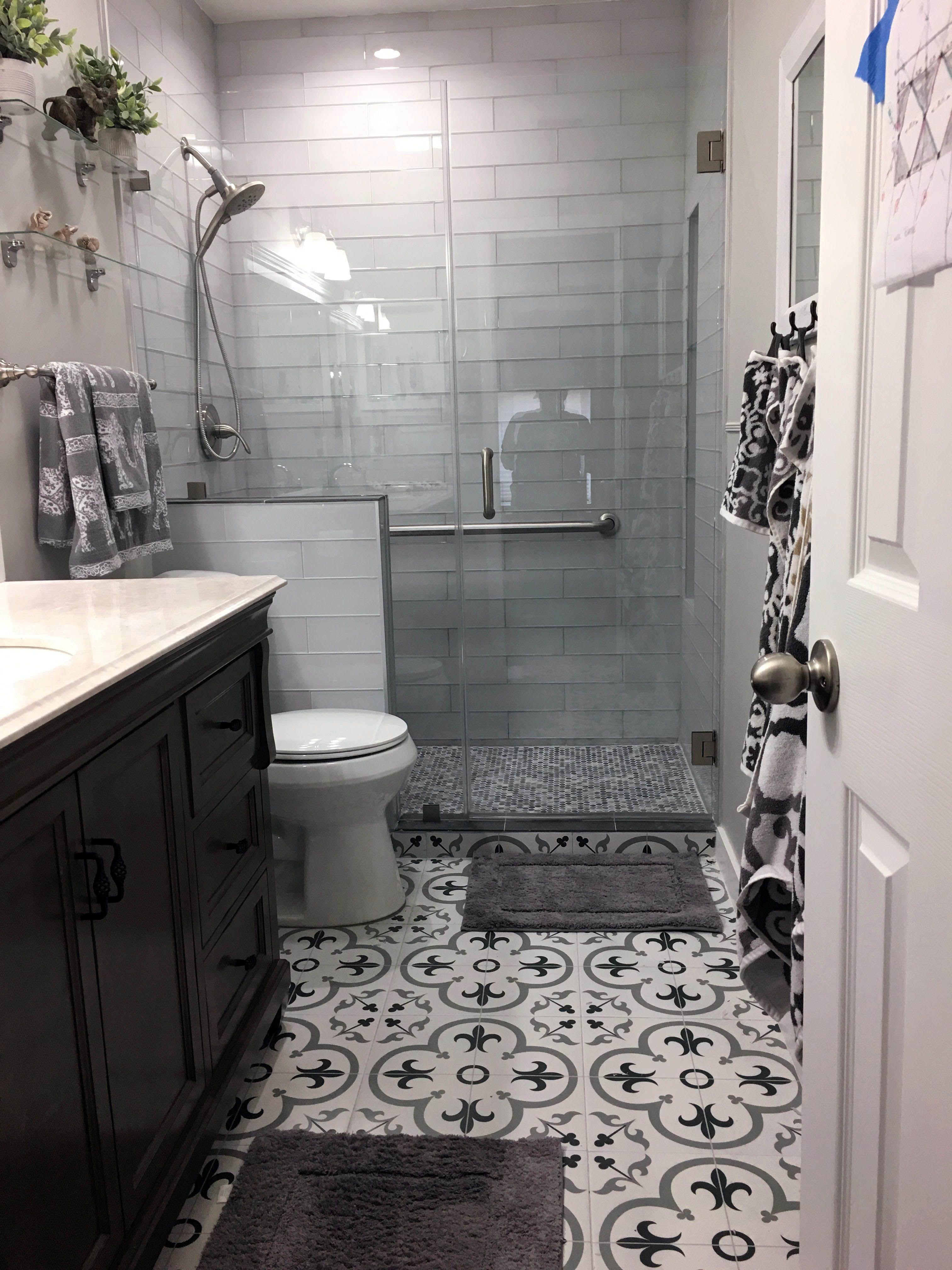Crazy Shower Tile Placement Ideas To Refresh Your Home Diy Bathroom Remodel Bathroom Floor Tiles Bathroom Remodel Shower
