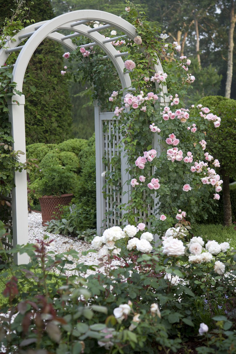7 Features Every Country Garden Needs is part of Secret garden Rose - The secrets to cultivating the ultimate country garden