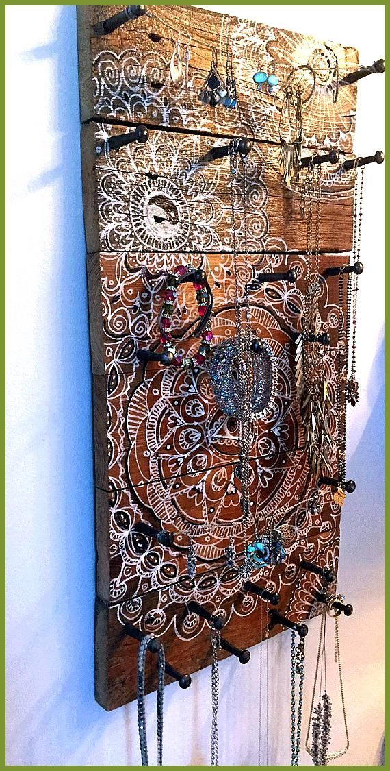 This is a great jewelry holder I made out of an old fence This is a great jewelry holder I made out of an old fence jewelry holder Informations About Dies ist ein gro&szl...