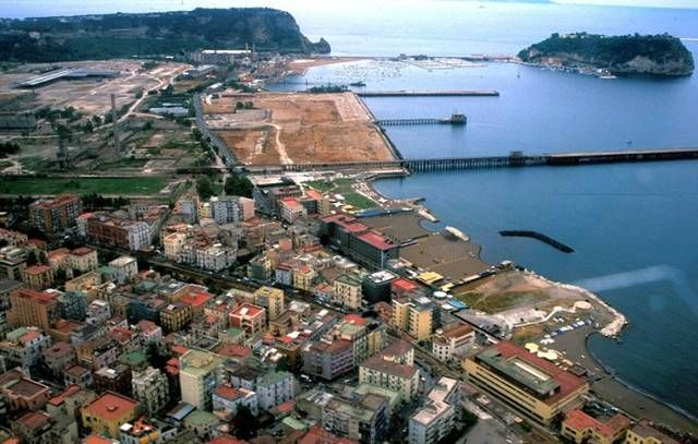 Bagnoli Waterfront Archeologia Industriale Parco Urbano
