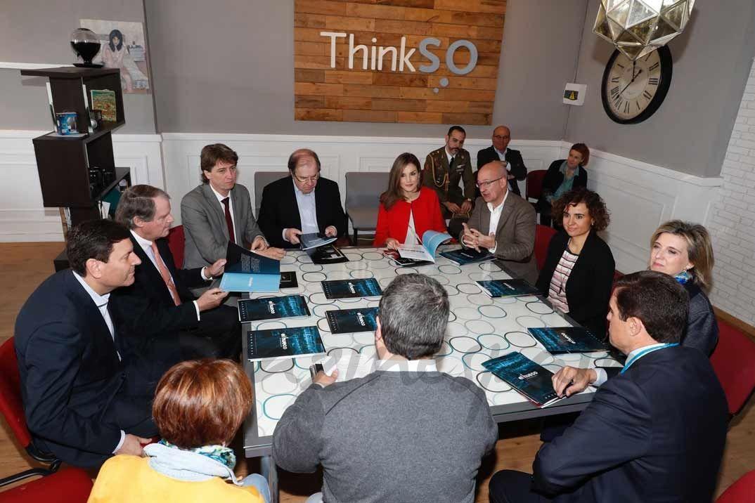 """Vista de la reunión informativa sobre el funcionamiento del centro """"El Hueco"""" © Casa S.M. El Rey"""