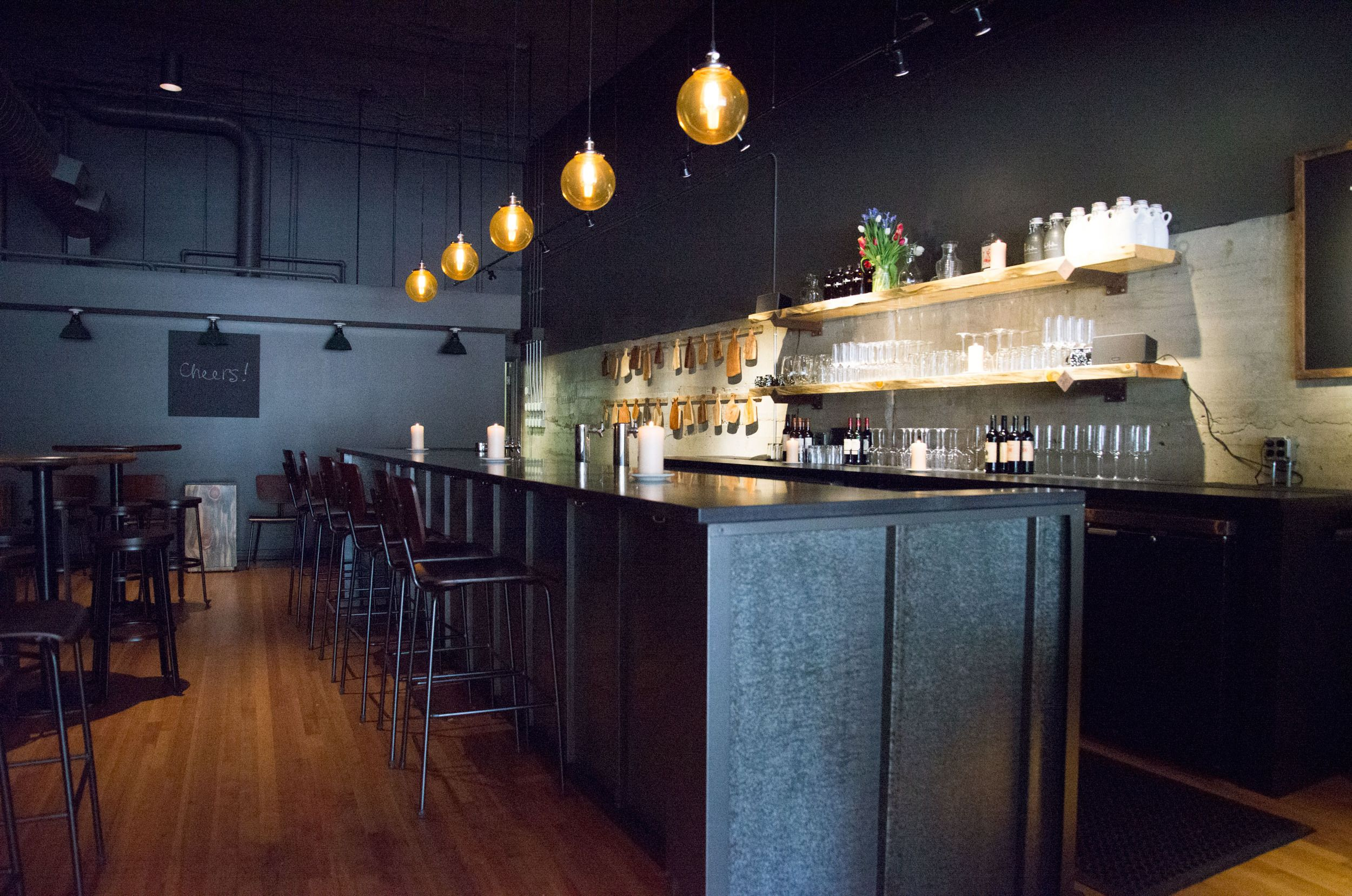 Urban Industrial Wine Bar In Montana With Ultra Batten