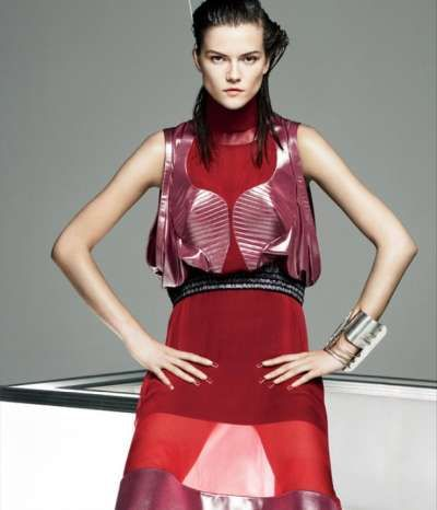 Electrifying 3D Ensembles - The Iris van Herpen Spring Couture 2013 Defines Novel Garment Silhouette (GALLERY)