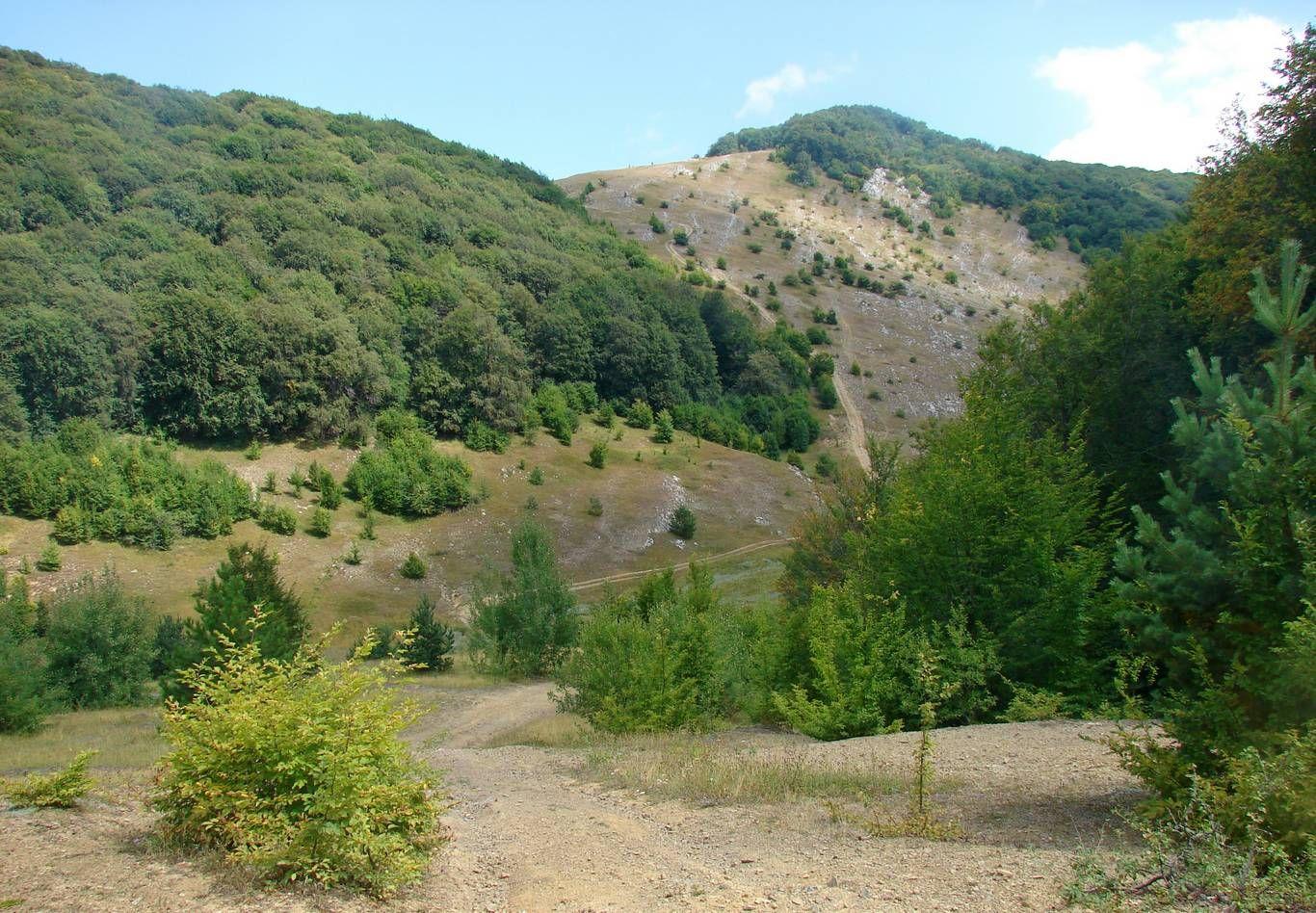 Летний поход по Крыму: Тырке-яйла, Восточный Суат, гора Кара-Тау и пещера Терпи-Коба