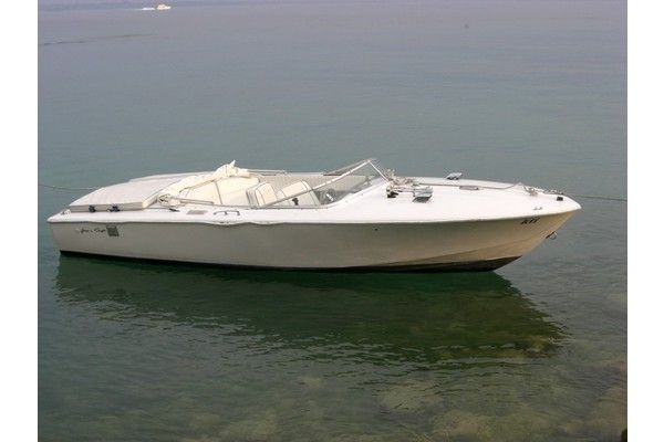 Pin By Boats For Sale Iboats On Antique And Classic Boats Chris Craft Boats Classic Boats Classic Boats For Sale