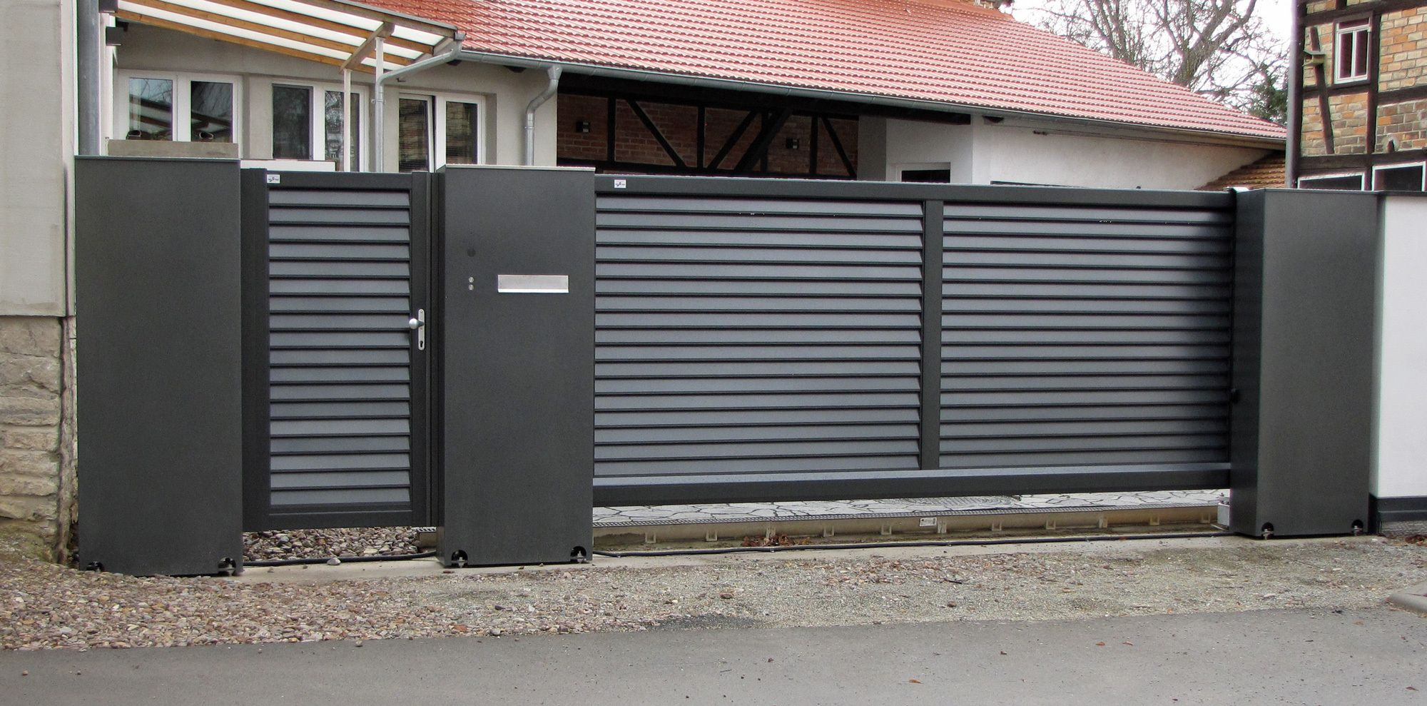 Schiebetor Mit Lamellenfullung House Gate Design Door Gate