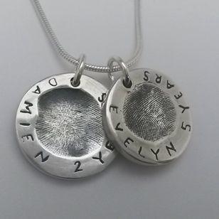 Stunning heavy fingerprint pendant set. So simple and beautiful