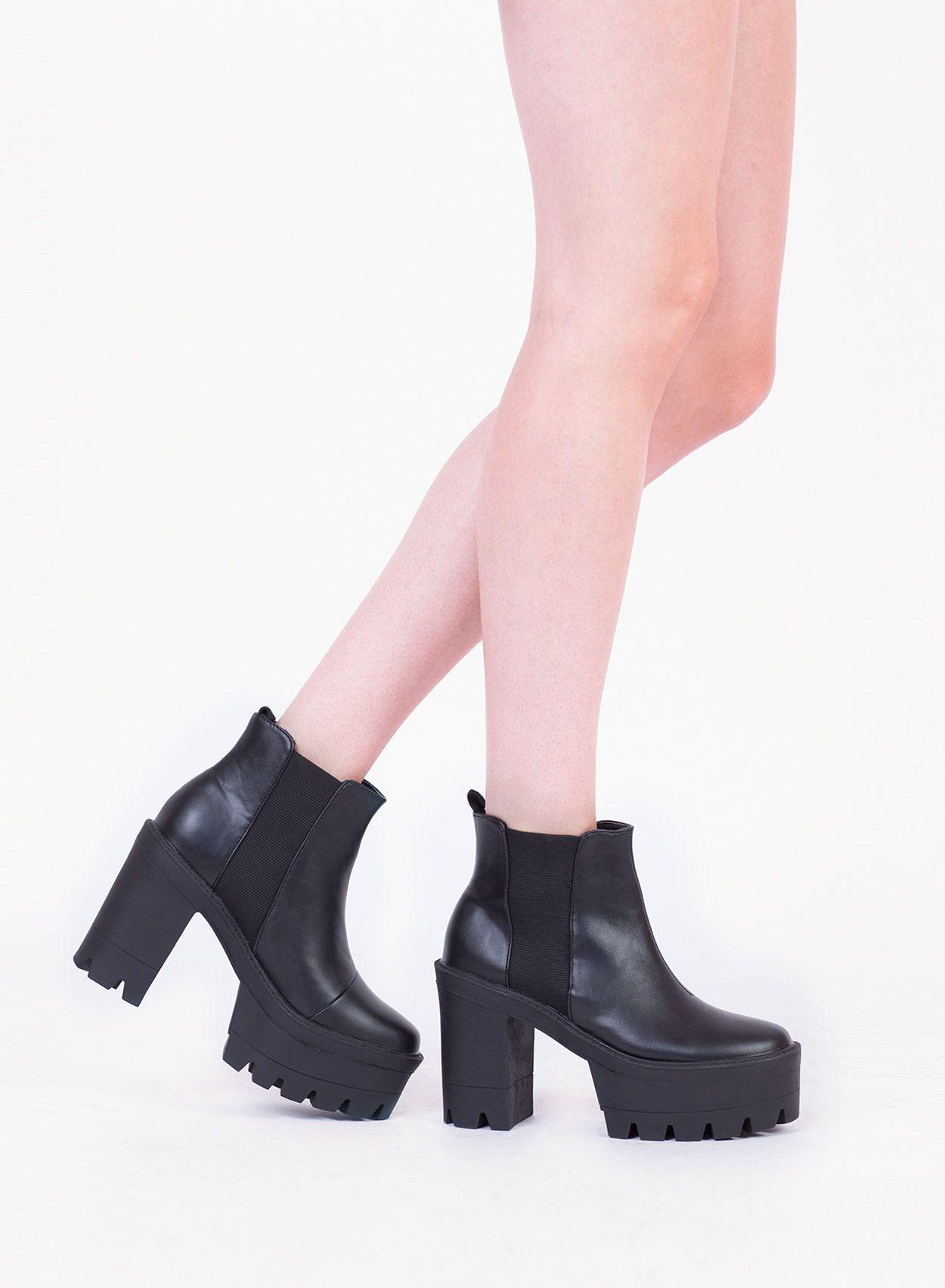 Chunky Heel Chelsea Boots