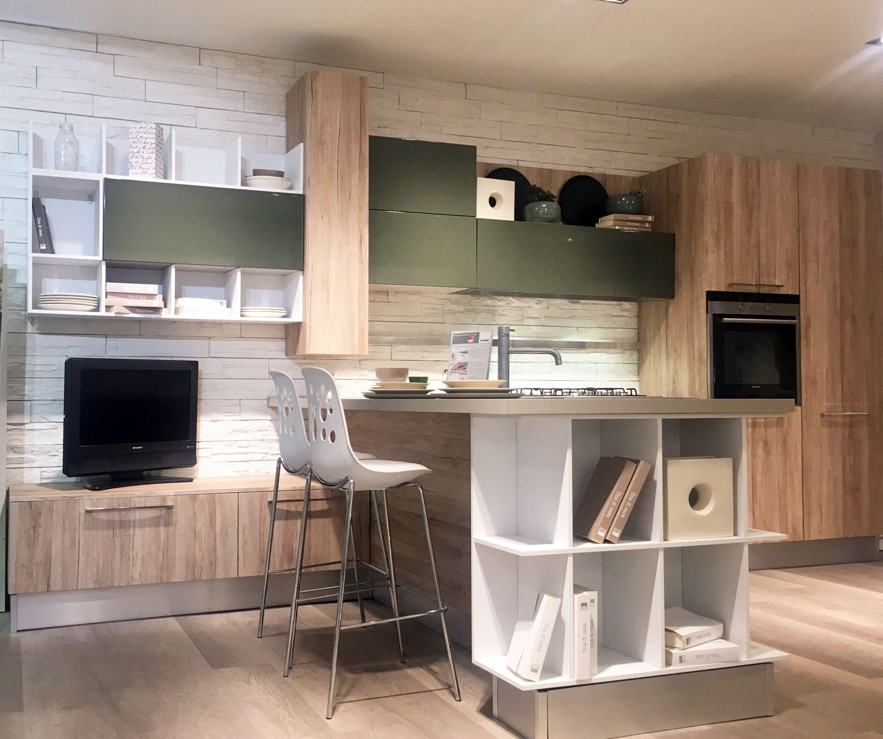 Offerta Cucina Lube Mod Swing Con Promozione Ariston Hotpoint Su 4 Elettrodomestici Prezzo 6400 Per Magg Arredamento Mobili Elettrodomestici