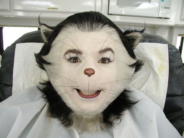 6f32b35b Fleshycreatures 2003 Special Effects Makeup. Mike Myers As The Cat In Hat